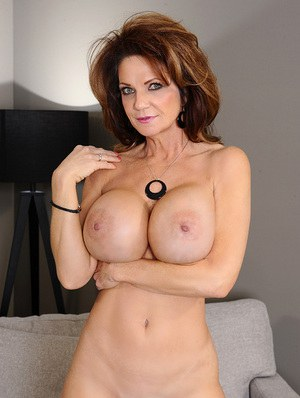 Sexy Mom Porn and Hot Naked Moms