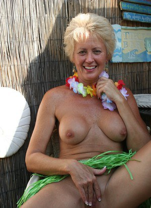Blonde milf with short hair bj 10