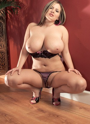 Hot Busty Moms and Free MILF Porn