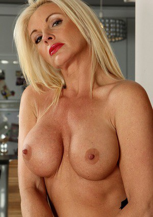 Blonde Mom Porn