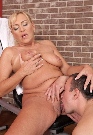 Mom Eating Pussy Porn