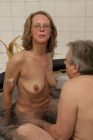 Mom In Bath Porn